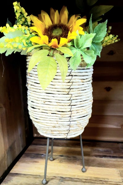 Corn Rope Basket w/ Legs