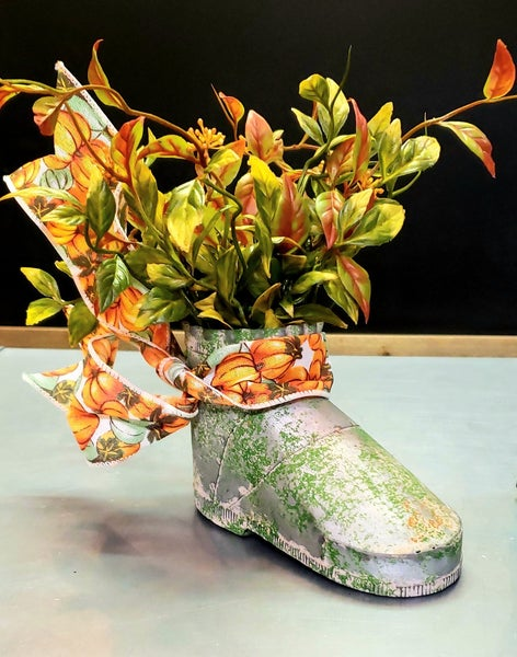 Green Rusty Boot Planter