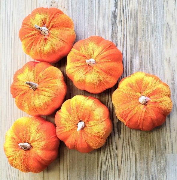 Bag of 6 Felt Pumpkins