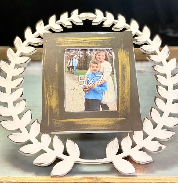 Wood Wreath Picture Frame