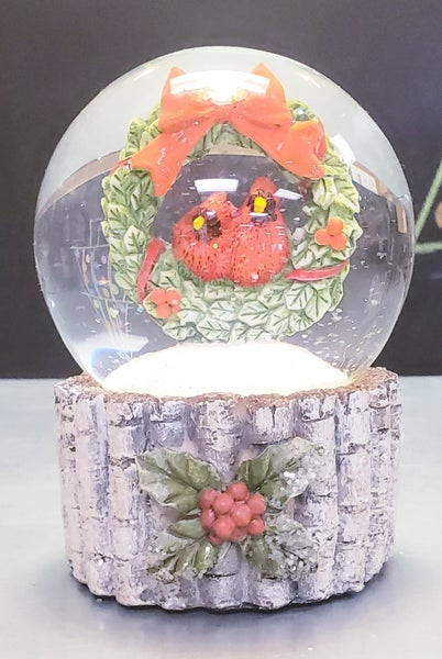 Cardinal & Wreath Snow Globe