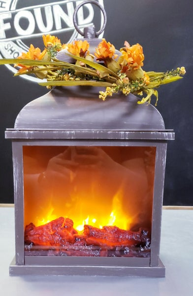 Fire Light Lantern w/ FREE Wreath