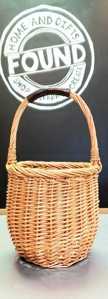 Natural Round Basket w/ Long Handle