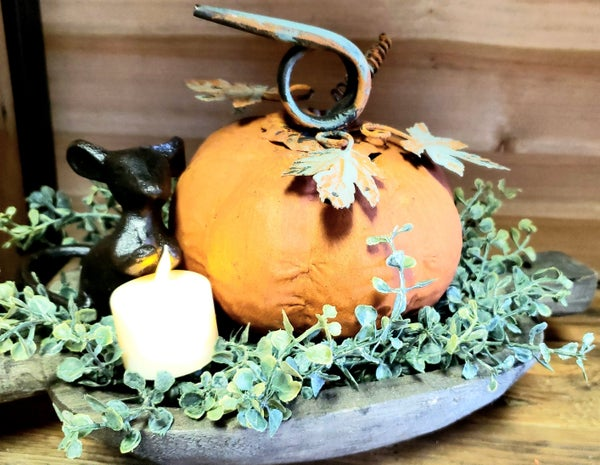Metal Pumpkin w/ Vine & Leaves