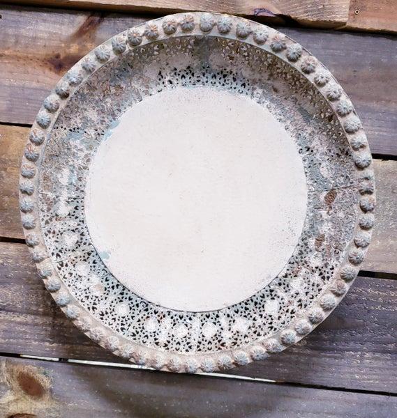 Round Fillegree w/ Sea Salt Distressing Tray