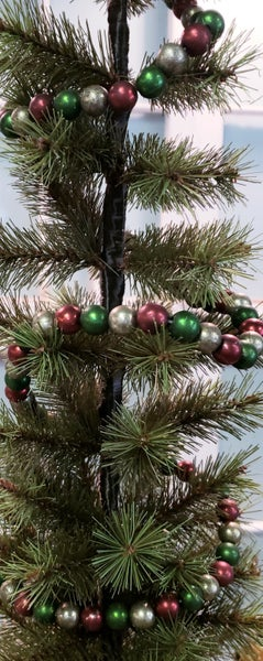 Vintage Red, Silver & Green Beaded Garland
