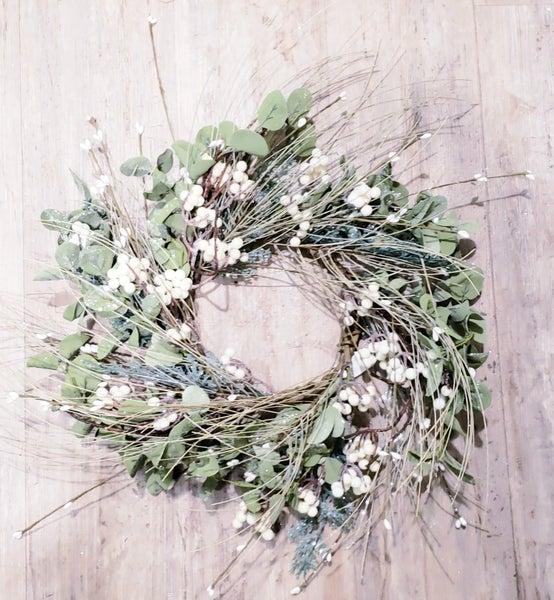 "Winterland Wreath 17"""