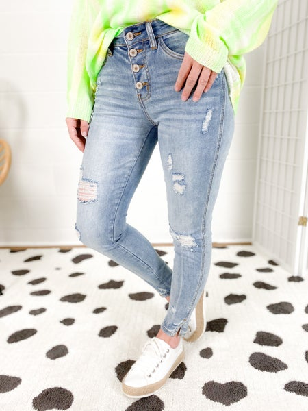 KanCan Short Stack Light Wash Skinny Jeans