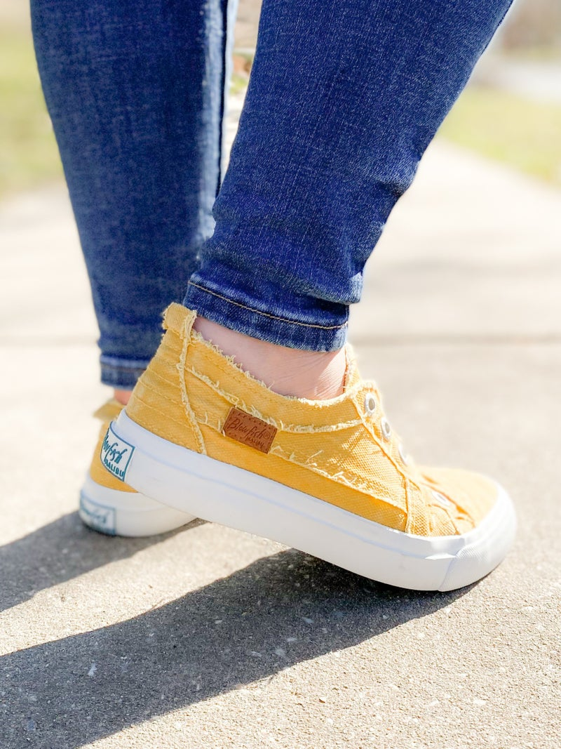 Blowfish Mango Mojito Distressed Unlaced Sneakers