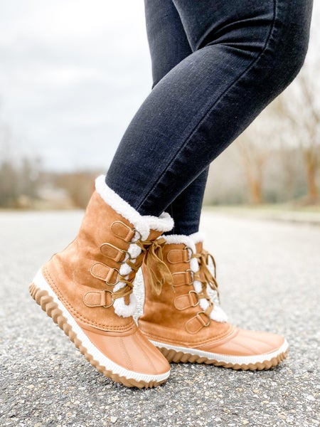 Sherpa Lined Lace Up Winter Duck Boots (Multiple Colors)