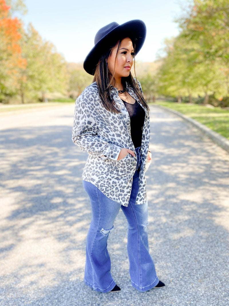 PLUS/REG Long Sleeve Button Down Collar Top With Pockets (Multiple Colors)