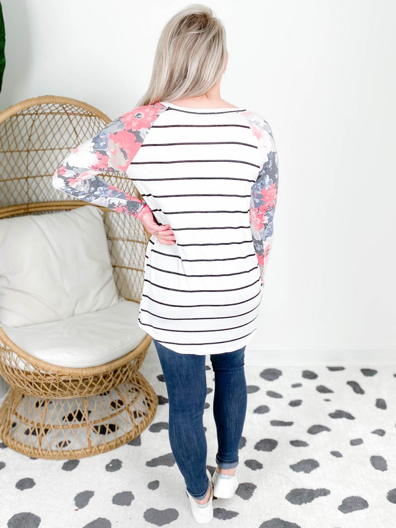 PLUS/REG Striped Top With Floral Contrast Sleeve