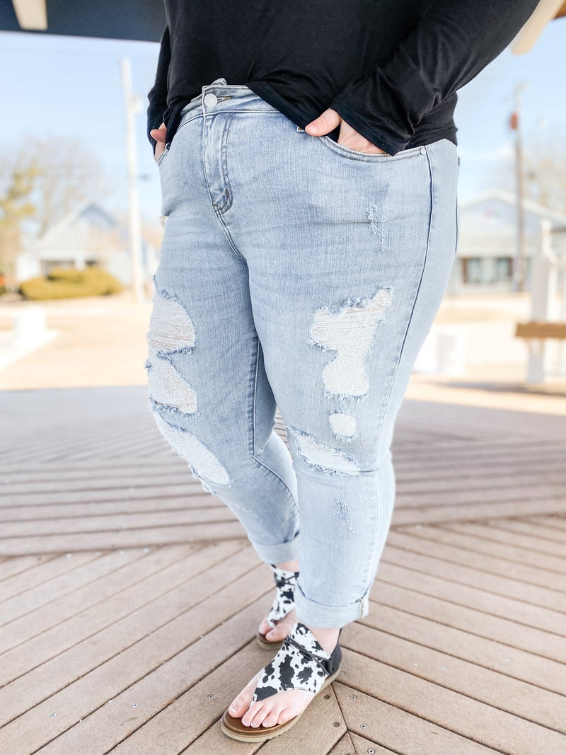 PLUS/REG Judy Blue Boardwalk Blues Mid Rise Distressed Boyfriend Jeans