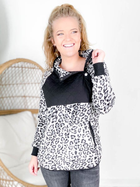 Plus/Reg Long Sleeve Leopard Fleece Top (Multiple Colors)