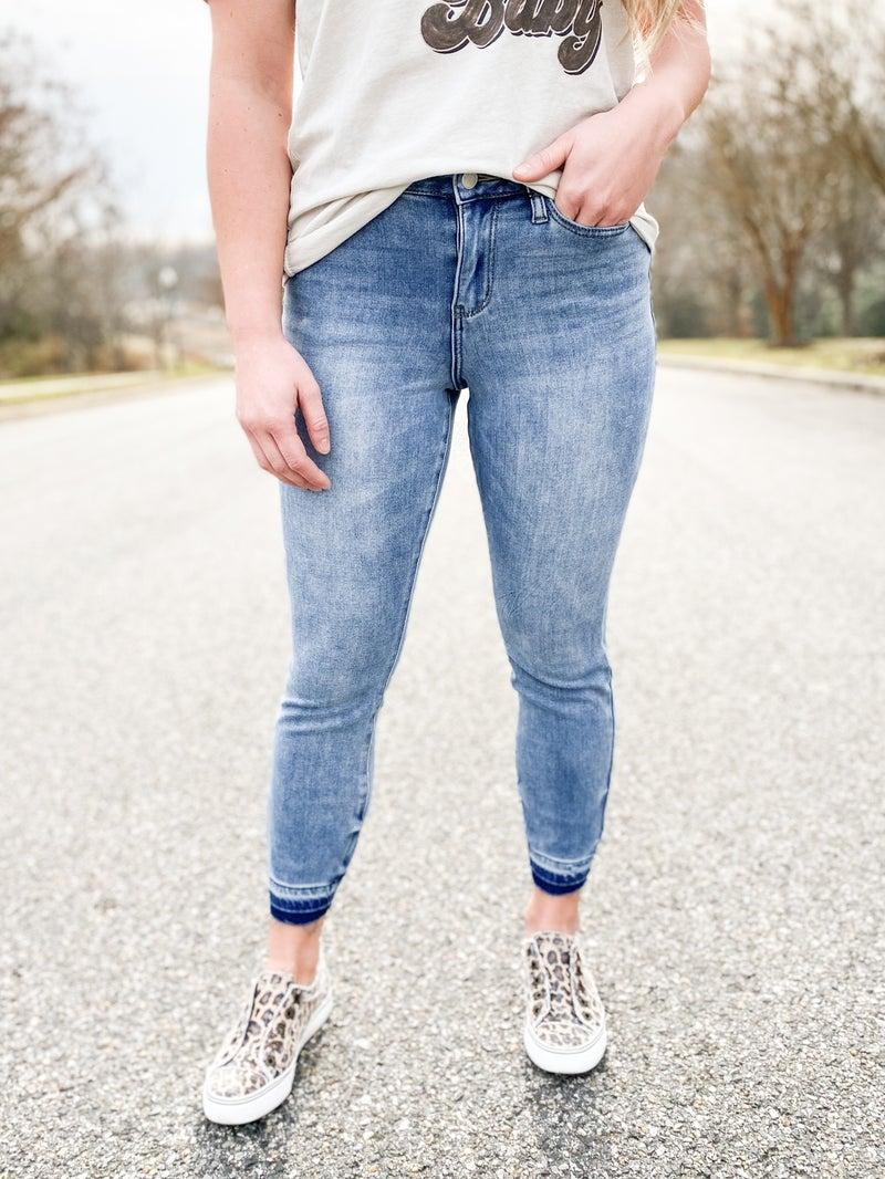 CRAZY DEAL!! PLUS/REG Judy Blue Thermal Boyfriend Jeans
