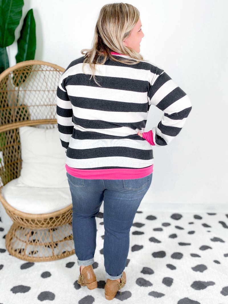 Stripe Pullover With Contrast Neck Band