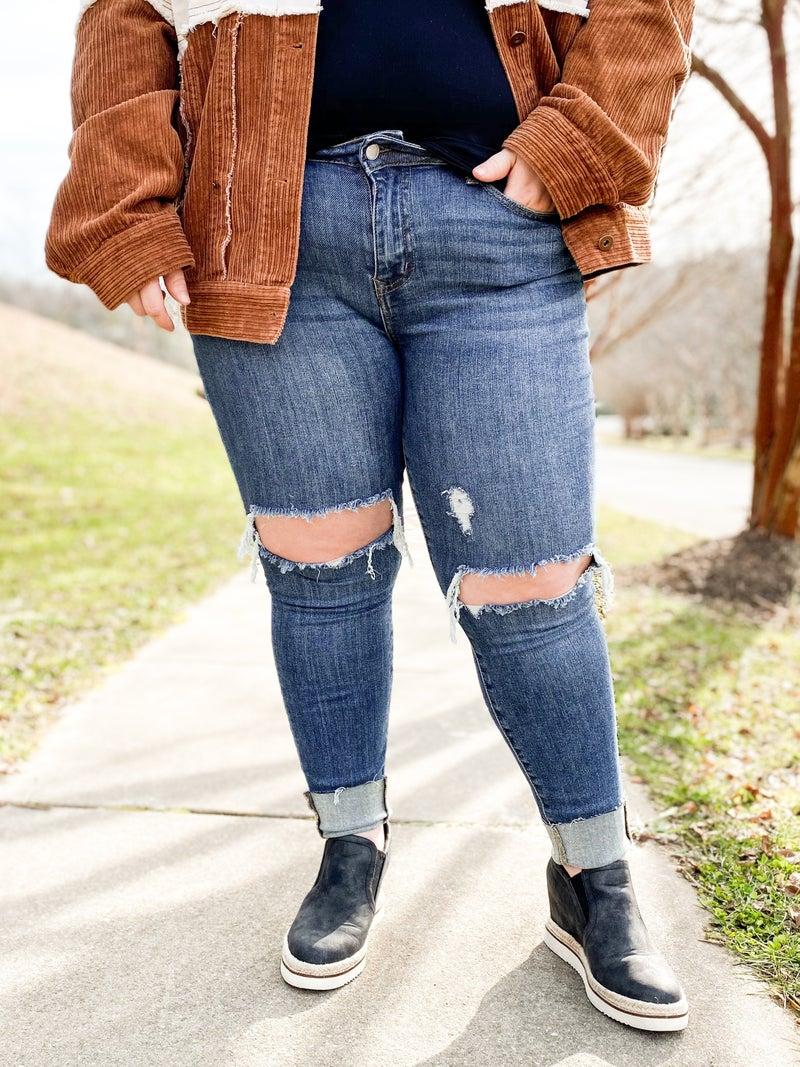 PLUS/REG The Bees Knees Judy Blue Distressed Knee Skinny Jeans
