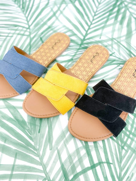 DOORBUSTER Twisted Strap Flat Sandals (Multiple Colors)