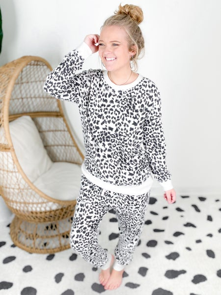 PLUS/REG Long Sleeve Cheetah Print LOUNGE SET!