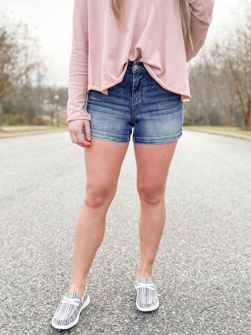 PLUS/REG Judy Blue Medium Wash Shorts