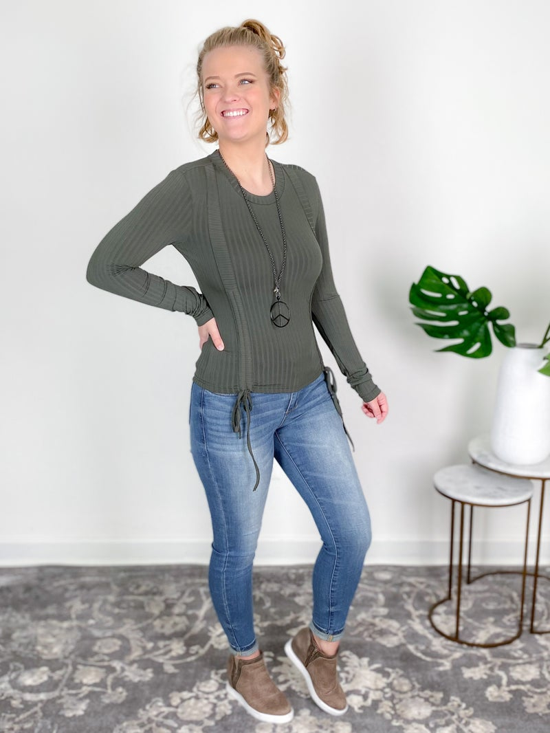 Ribbed Round Neck Ruched Knit Top (Multiple Colors)