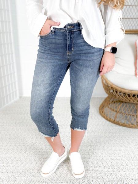 PLUS/REG  Judy Blue  Vacation Time Capri Jeans