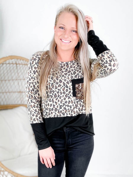 PLUS/REG Animal Contrast Top With Sequin Pocket
