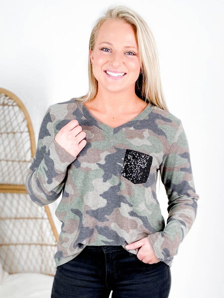 PLUS/REG Long Sleeve Camo Top With Sequin Pocket
