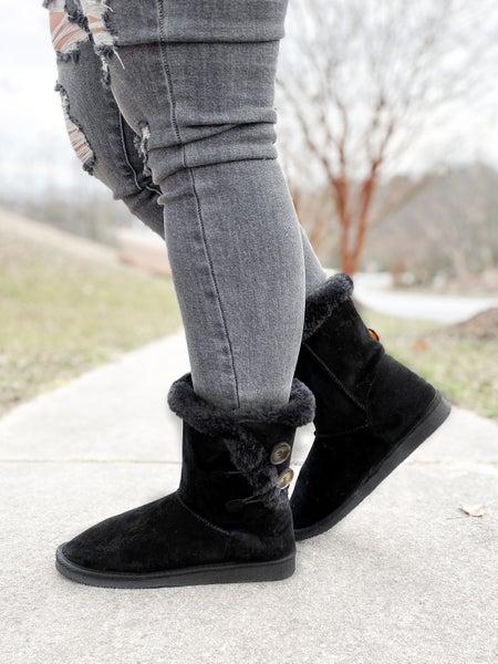 Black Fuzzy Sherpa Boots