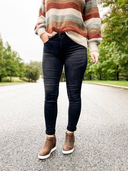 PLUS/REG Black Bombshell Judy Blue Non-Distressed Black Skinny Jeans