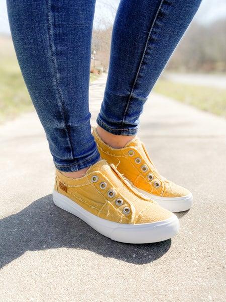 Blowfish Mango Mojito Distressed Unlaced Sneakers