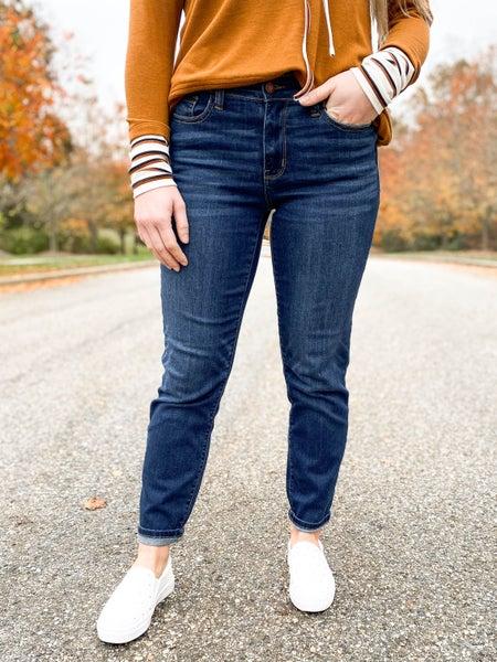 PLUS/REG Judy Blue  McDreamy Non-Distressed Dark Wash Boyfriend Jeans