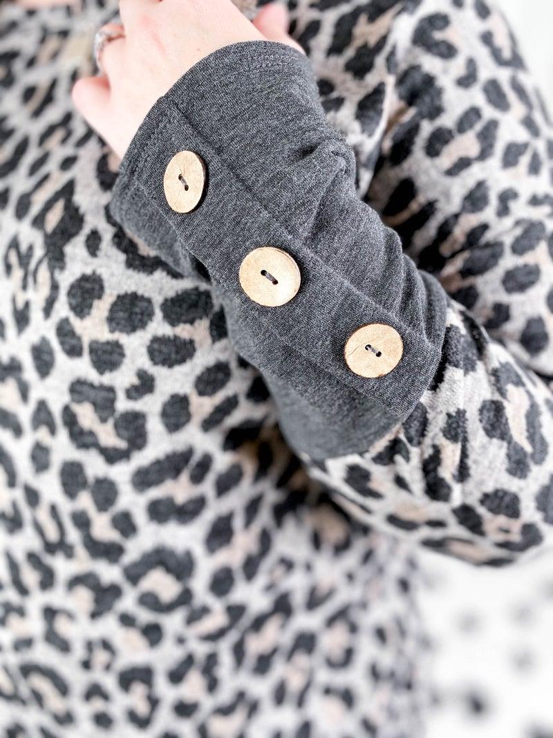 PLUS/REG Leopard Top With Button Detail