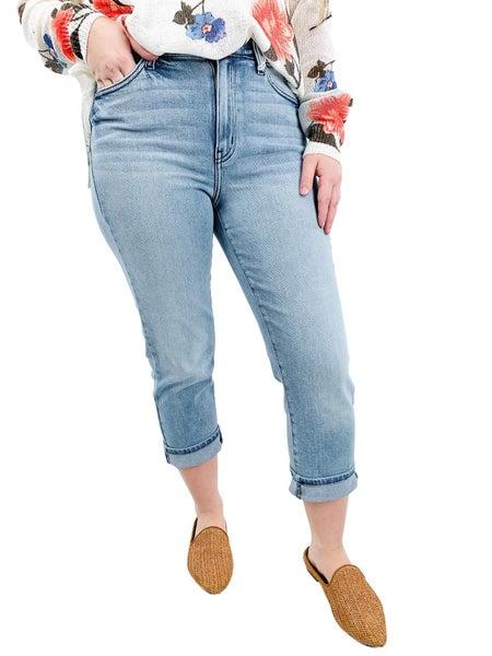 KanCan High Rise Capri Sun Non-Distressed Jeans