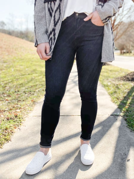 PLUS/REG Judy Blue Black Thermal Skinny Jeans