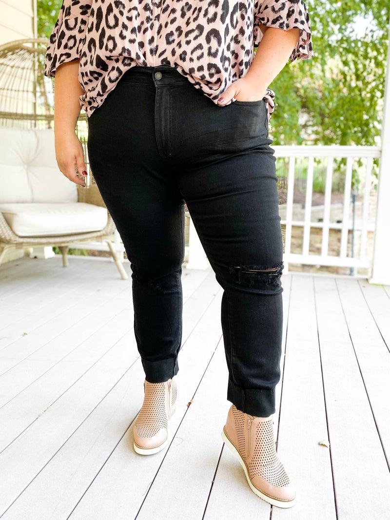 PLUS/REG Black Beauty Judy Blue Black Distressed Tapered Slim Jeans