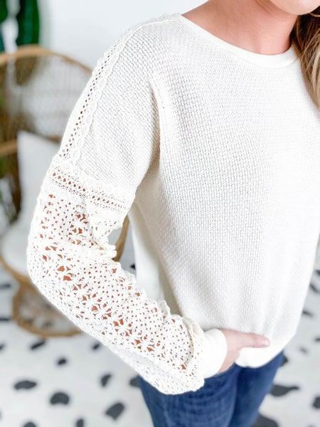 PLUS/REG Crochet Sleeve Knit Top (Multiple Colors)