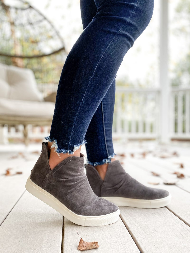 Casual High Top Slip On Sneakers