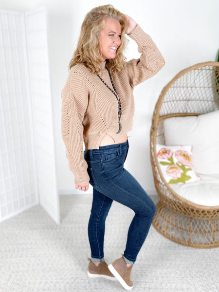 Scallop Neckline Cropped Sweater (Multiple Colors)