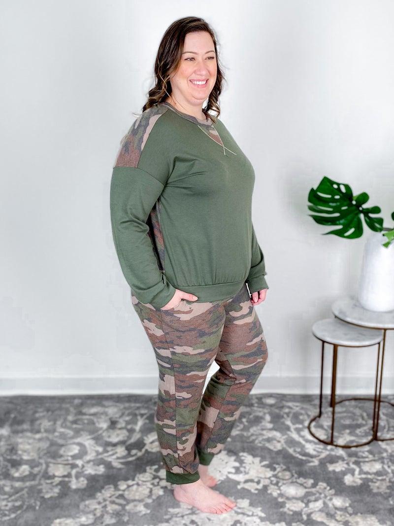 Plus/Reg Knit Two Piece Camouflage Jogger Set