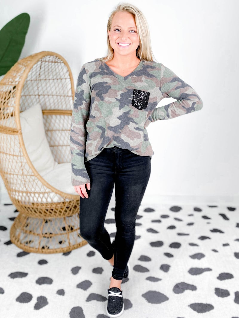 PLUS/REG Long Sleeve Camo Top With Sequin Pocket