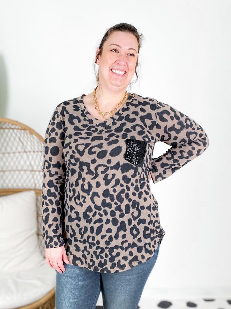 PLUS/REG Leopard V Neck With Sequin Pocket