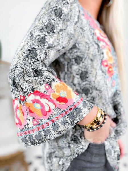 PLUS/REG Snake Print Embroidered Blouse