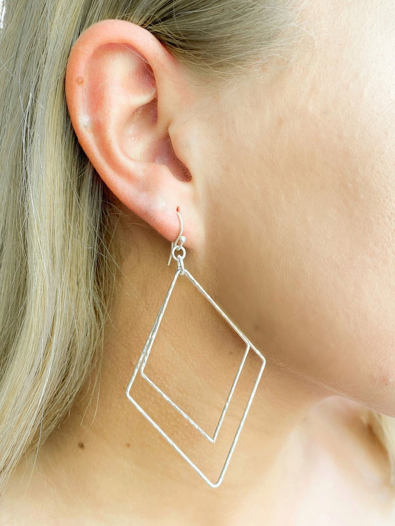 Matte Plated Double Hammered Diamond Earrings