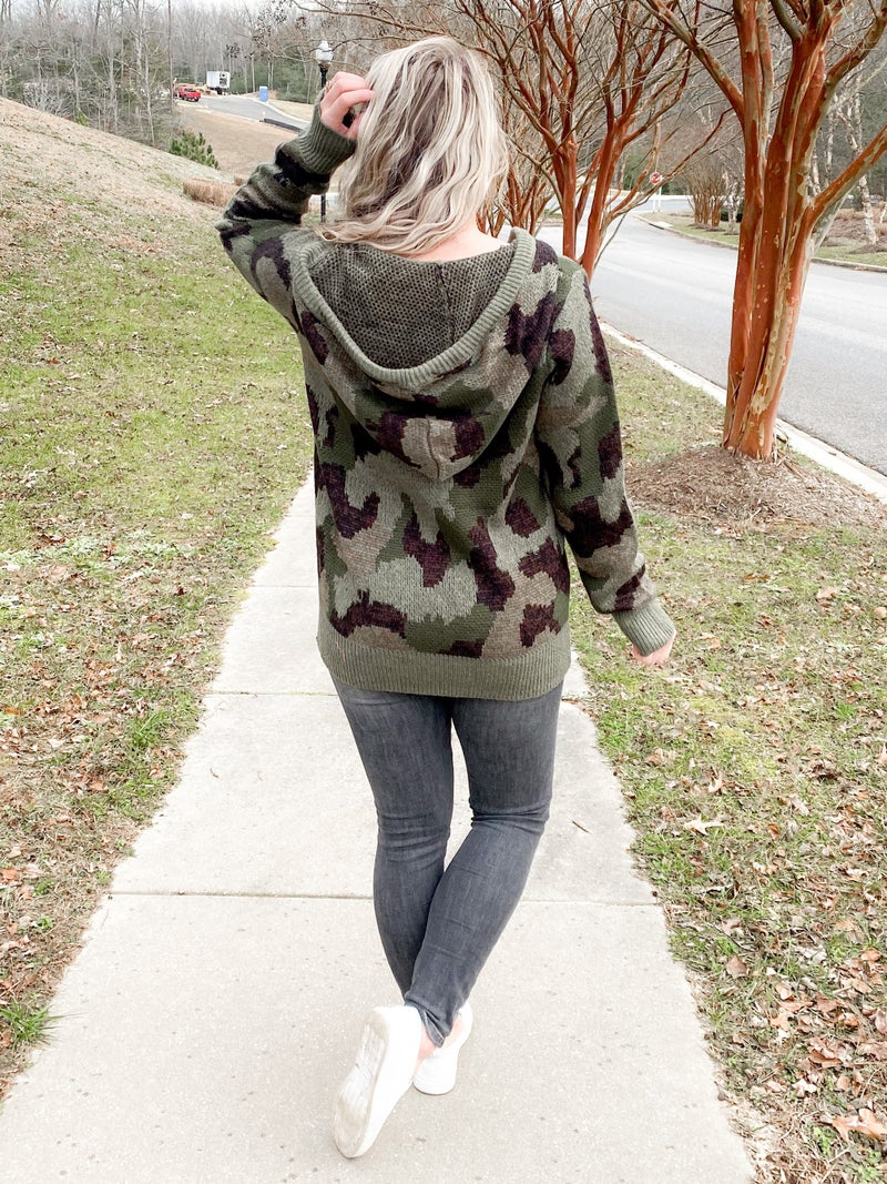 PLUS/REG Camo Knit Sweater With Full Zipper And Pocket Detail