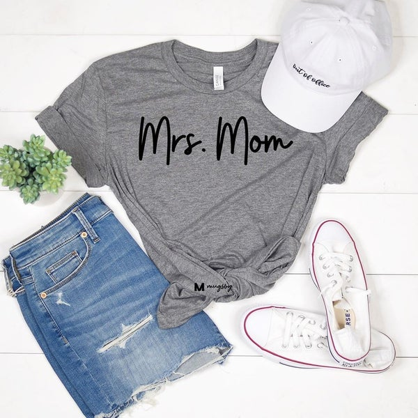 MRS. MOM