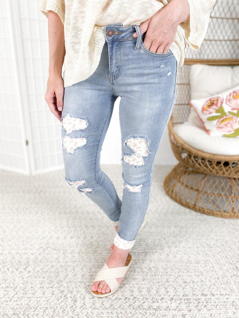 PLUS/REG Judy Blue Peek a Bloom Floral Patch Jeans