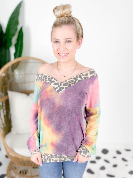 PLUS/REG Tie Dye V Neck Top With Leopard Trim