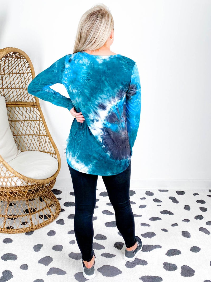 PLUS/REG Tie Dye Top With Black Sequin Pocket