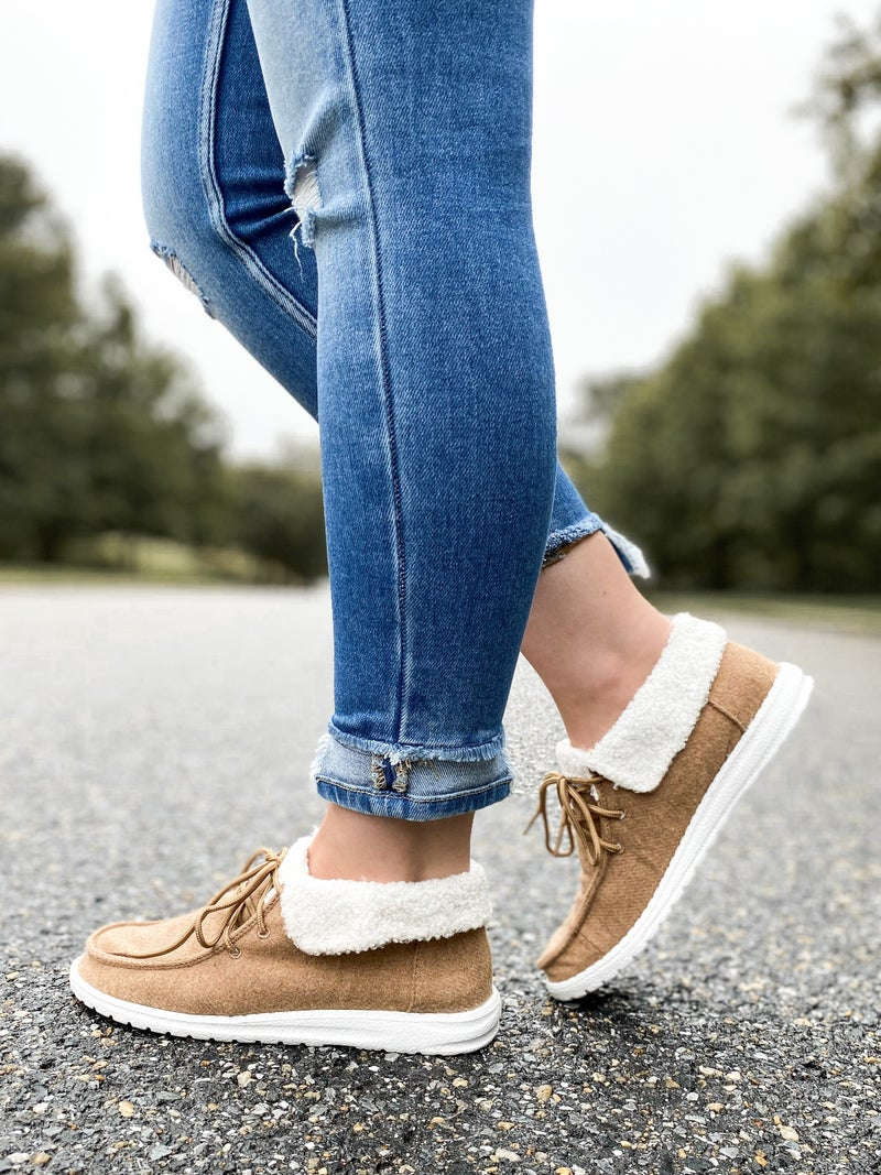 Hey Girl Sherpa Lined Shoes (Multiple Colors)